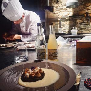 La French svp est très heureuse d'être partenaire du projet @ephemerarestaurant, un restaurant éphémère créé par des étudiants de l'école Paul Bocuse. Pensez à réserver ! 😋🇫🇷 www.lafrenchsvp.com  #lafrenchsvp #buvezfrancais #gingerbeer #tonicwater #bio #madeinfrance #baralafrancaise #cocktailalafrancaise #restaurant #restaurantephemere #ephemera #ephemerarestaurant #lyon #paulbocuse