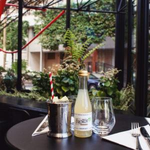 Sortez aussi avec La French svp ! Retrouvez votre Ginger Beer préféré au Café Paulette dès le 19 mai 🍸 #lafrenchsvp #buvezfrancais #cafepaulette #19mai #apero #aperitif #aperitifalafrancaise #cocktail #100%francais #bio